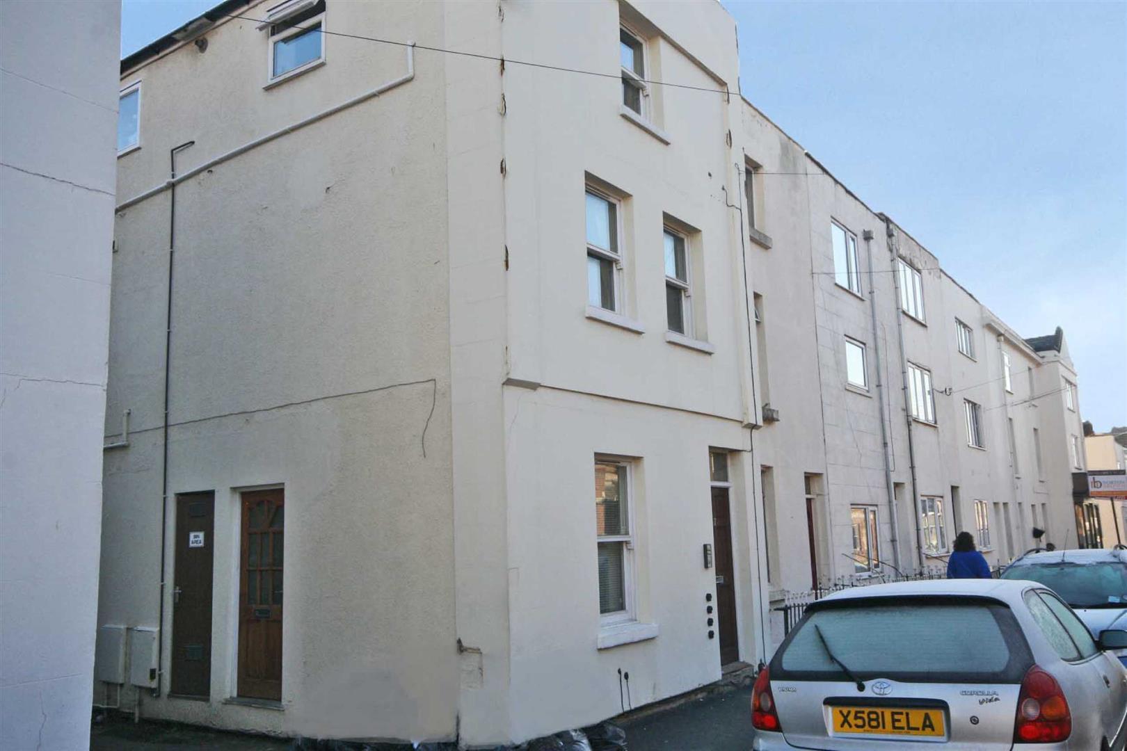 Oxford Street, Leamington Spa, CV32